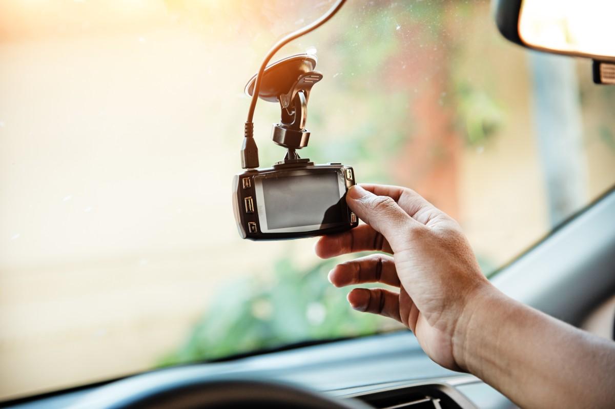 uruchamianie kamerki samochodowej