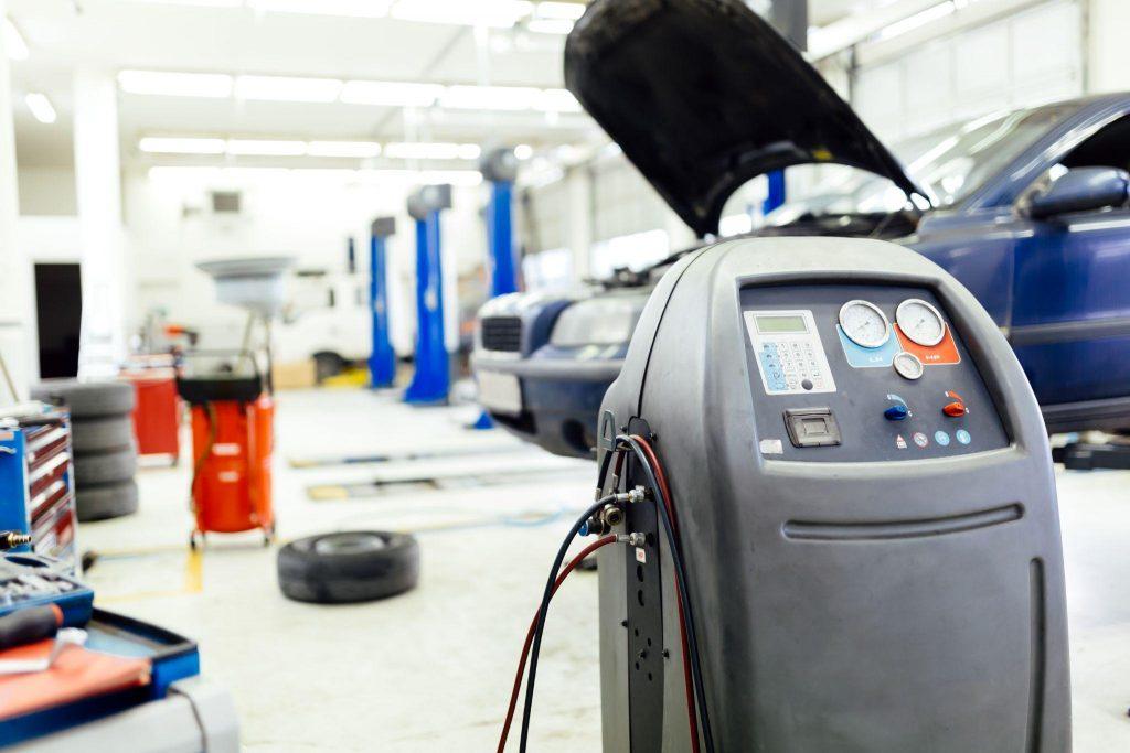 urządzenia do klimatyzacji w warsztacie
